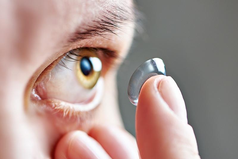 CRT-Lenses-Vs-LASIK-Eye-Surgery.jpg